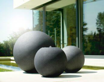 Plastikiniai-rutuliai-juodo-akmens-spalvos