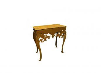 Baroko stiliaus staliukas